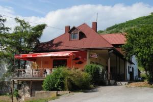 RestauraciaPodHradom