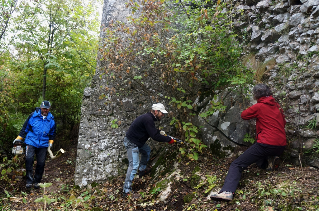 Tornai vár - Vártisztítás